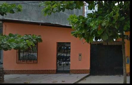 VENDO PROPIEDAD EN JR. IPARIA YARINA. INCLUYE LOCAL COMERCIAL, DEPOSITO, CASA DE DOS PISOS - Imagen1